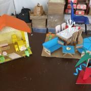Atelier de construction en papier et carton du  MCM