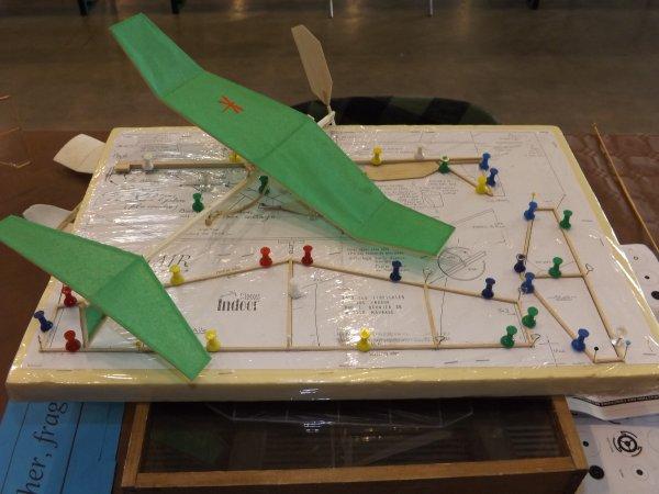 Avion ultra légé avec plan
