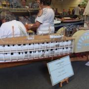 Bateau à roue latérale américain de 1822 le
