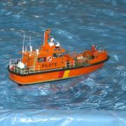 Bateau pilote en navigation