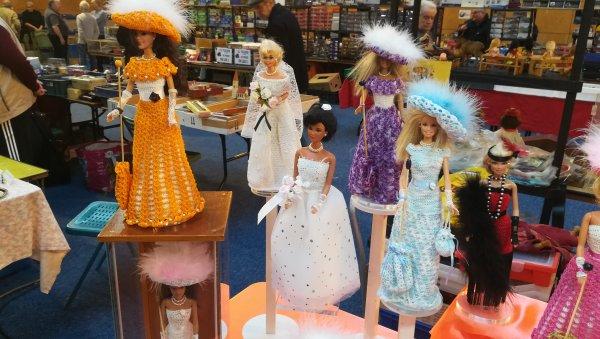 Belle collection les robes sont réalisées à la main