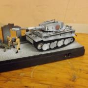 """Char allemand """"Tigre 1"""" sur son chargeur décor"""