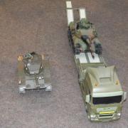 Char M41 Walker Bulldog et un camion porte char