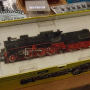 Coffret d'une belle loco à vapeur