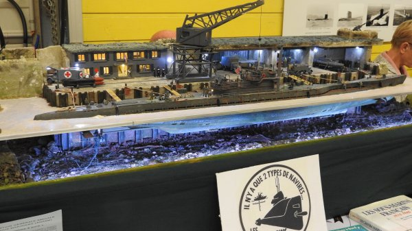 Diorama d'un sous marin en calle sèche