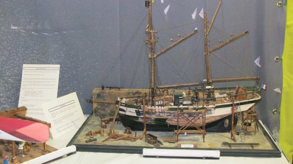 Diorama représentant la restauration de la Curieuse
