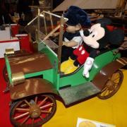 Mickey avec son chauffeur