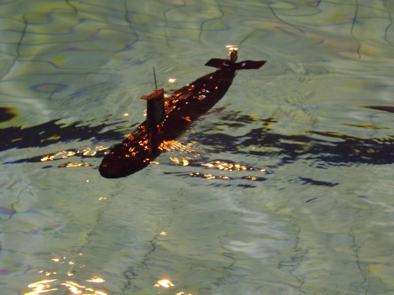 Le Seawolf en route pour sa première plongée