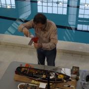 Raphaël en pleine préparation de sa maquette