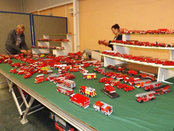 Installation du stand dédié aux pompiers