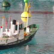 Le cargo RAU se présentant aux bouées