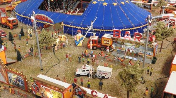 Le Cirque Caros