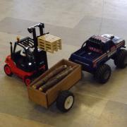 Linde H50 avec ses palettes et le Ford V8-7,5L Big Roader 4WD