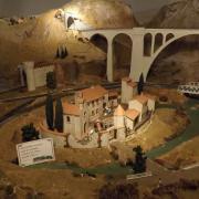 Mas provençal fortifié réalisation en carton
