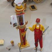 Pompiste en bois réalisation de Freddy