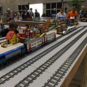 Réseau de train réalisé avec des Légo