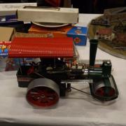 Rouleau compresseur à vapeur