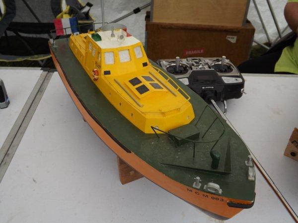 Un bateau pilote