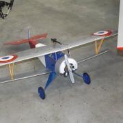 Un biplan français
