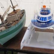 Un Chalutier et un Catamaran le
