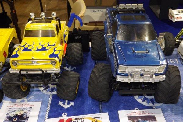 Un Ford Midnight Pumpkin et un Ford Nitro Thrasher