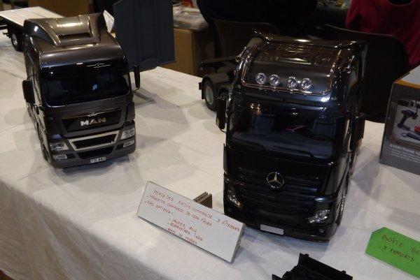 Un MAN et un Mercedes