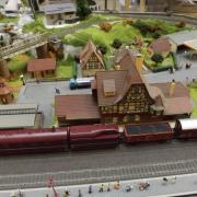 Vapeur à l'arrêt en gare de Neuffen