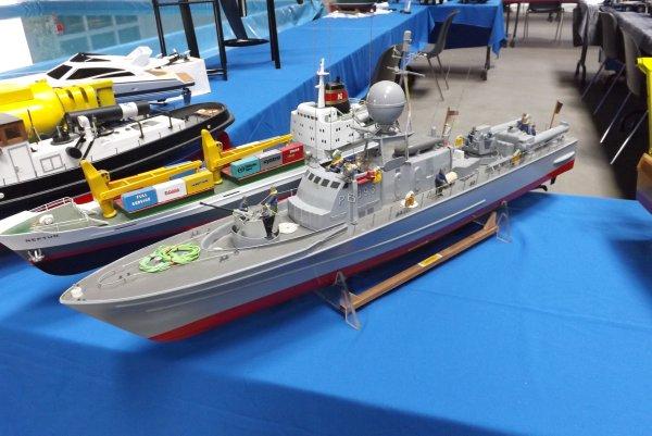Vedette rapide lance torpilles